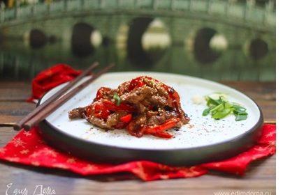 Стірфрай з яловичини з перцем в гірчичному соусі